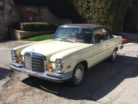 1971 Mercedes-Benz 280SE 3.5 Cabriolet for sale at Gullwing Motor Cars Inc in Astoria NY
