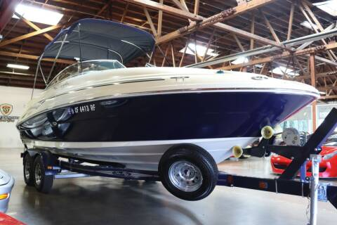 2005 Sea Ray 220DS