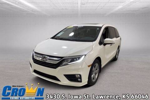2018 Honda Odyssey for sale at Crown Automotive of Lawrence Kansas in Lawrence KS