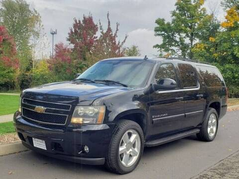2007 Chevrolet Suburban for sale at CLEAR CHOICE AUTOMOTIVE in Milwaukie OR