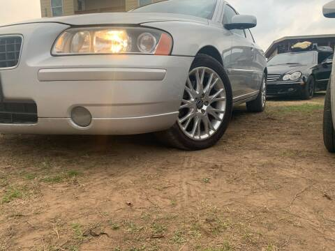 2005 Volvo S60 for sale at Hatimi Auto LLC in Buda TX