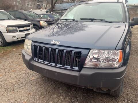 2004 Jeep Grand Cherokee for sale at ALVAREZ AUTO SALES in Des Moines IA