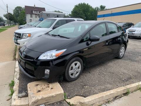2010 Toyota Prius for sale at BEAR CREEK AUTO SALES in Rochester MN