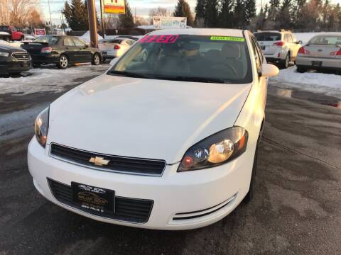 2008 Chevrolet Impala for sale at BELOW BOOK AUTO SALES in Idaho Falls ID