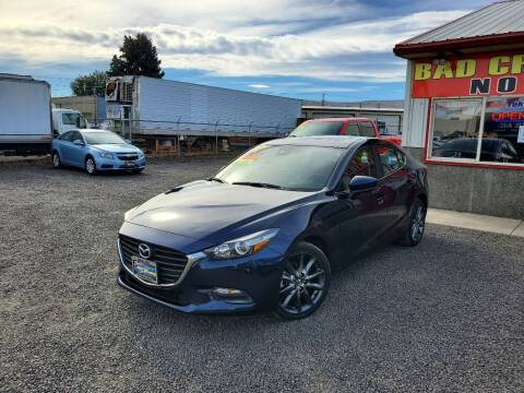 2018 Mazda MAZDA3 for sale at Yaktown Motors in Union Gap WA