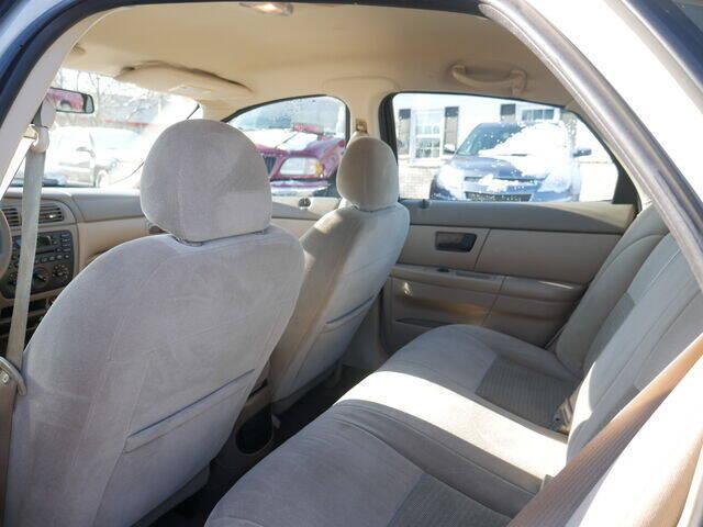 2006 Ford Taurus SE 4dr Sedan - Menomonie WI