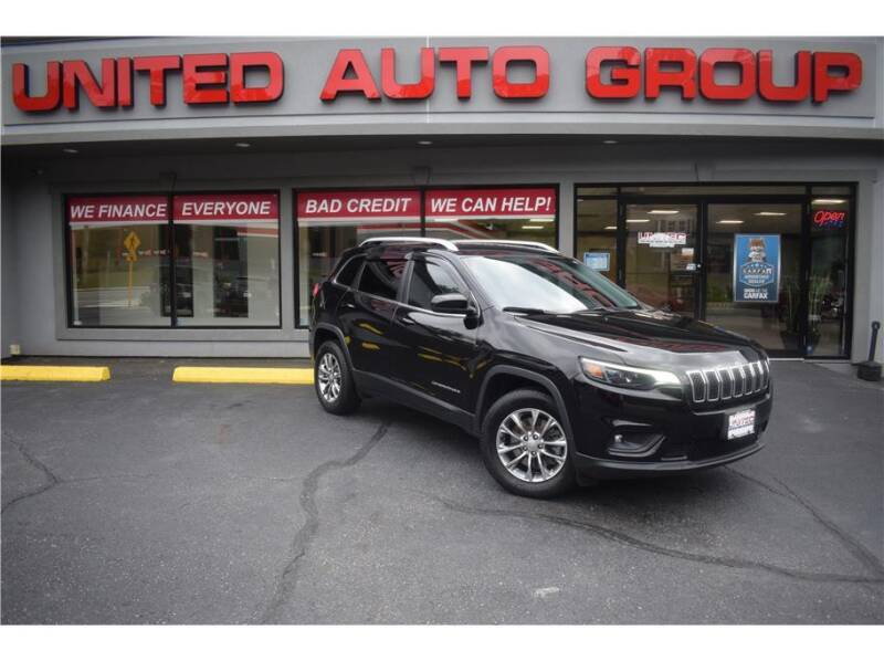 2019 Jeep Cherokee for sale at United Auto Group in Putnam CT