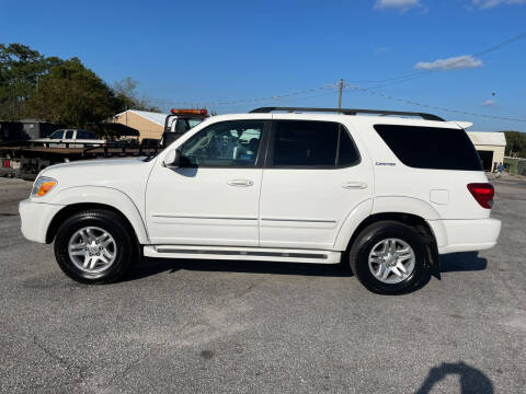 2005 Toyota Sequoia for sale at TAVERN MOTORS in Laurens SC