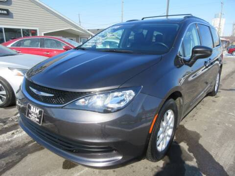 2020 Chrysler Voyager for sale at Dam Auto Sales in Sioux City IA