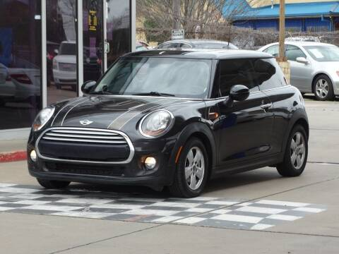 2015 MINI Hardtop 2 Door for sale at DriveTown in Houston TX