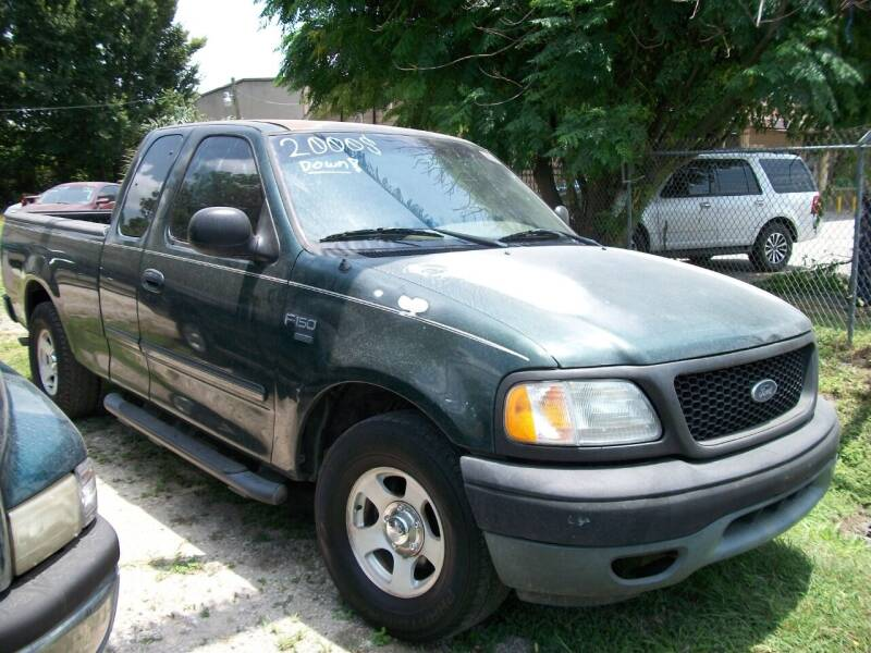 2003 Ford F-150 for sale at THOM'S MOTORS in Houston TX