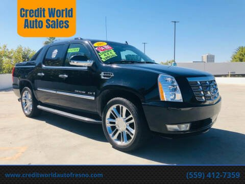 2007 Cadillac Escalade EXT for sale at Credit World Auto Sales in Fresno CA