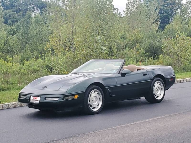 1995 Chevrolet Corvette for sale at R & R AUTO SALES in Poughkeepsie NY
