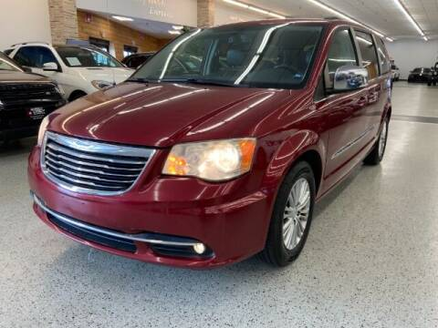2013 Chrysler Town and Country for sale at Dixie Imports in Fairfield OH