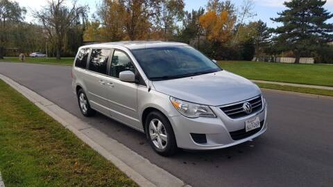 2009 Volkswagen Routan for sale at A.I. Monroe Auto Sales in Bountiful UT