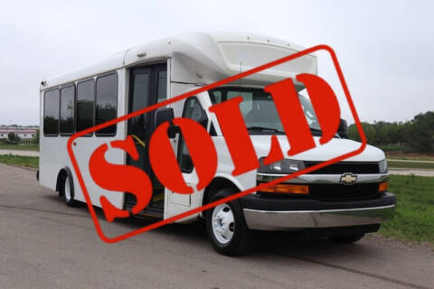 2016 Chevrolet Express Cutaway for sale at Signature Truck Center in Crystal Lake IL