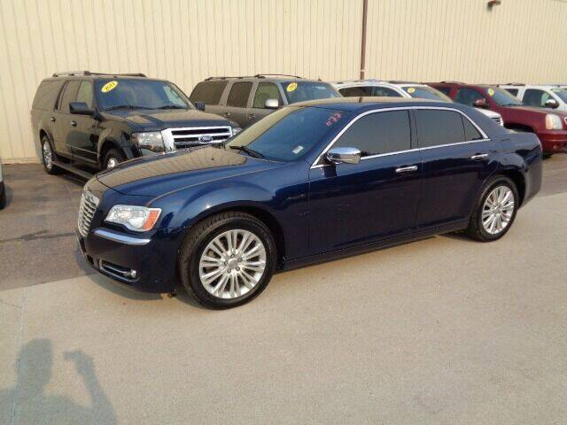 2014 Chrysler 300 for sale at De Anda Auto Sales in Storm Lake IA