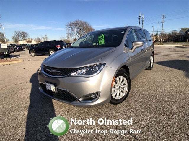 2018 Chrysler Pacifica Touring Plus 4dr Mini-Van - North Olmsted OH
