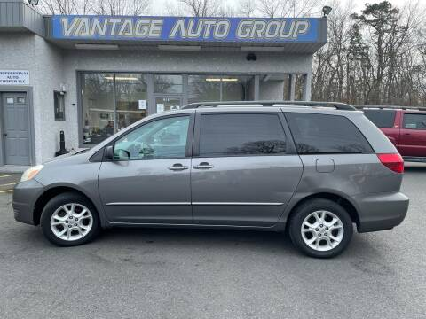 2005 Toyota Sienna for sale at Vantage Auto Group in Brick NJ