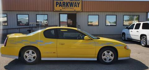 2002 Chevrolet Monte Carlo for sale at Parkway Motors in Springfield IL