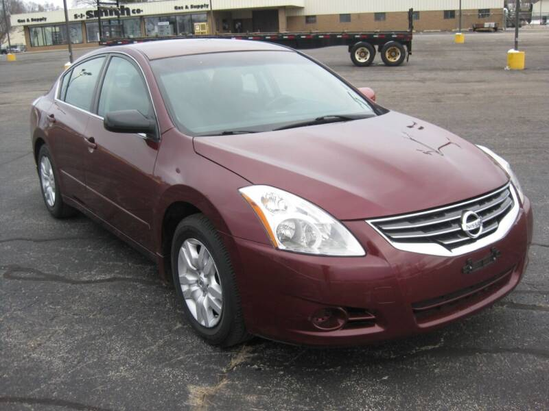 2012 Nissan Altima for sale at Pre-Owned Imports in Pekin IL