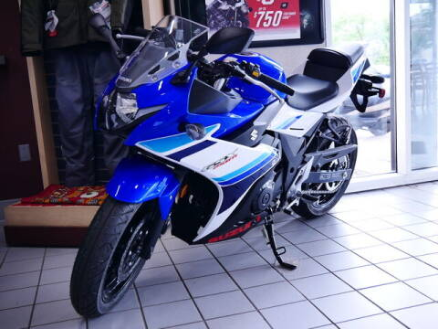 2019 Suzuki SPORTBIKE GSX-R for sale at Rydell Auto Outlet in Mounds View MN