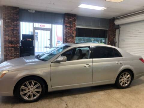 2006 Toyota Avalon for sale at Bavarian motor Group LLC in Dothan AL