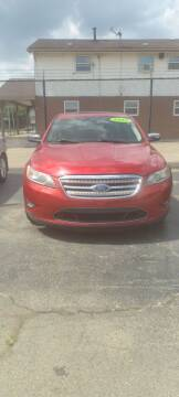 2012 Ford Taurus for sale at Double Take Auto Sales LLC in Dayton OH