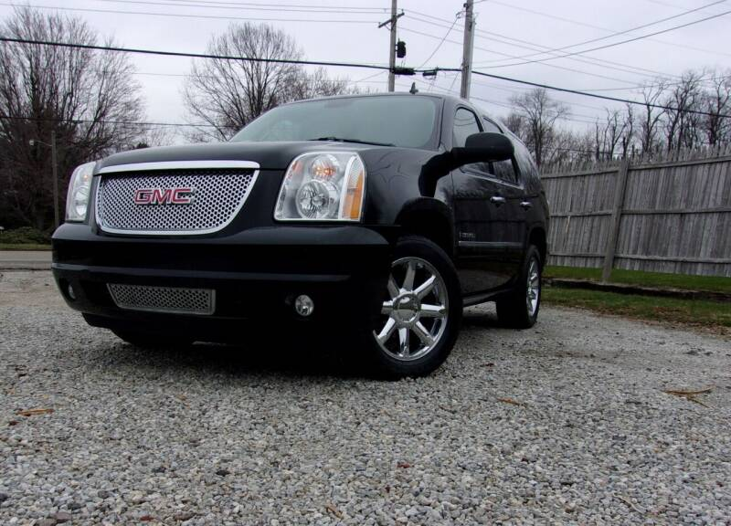 2009 GMC Yukon for sale at JEFF MILLENNIUM USED CARS in Canton OH