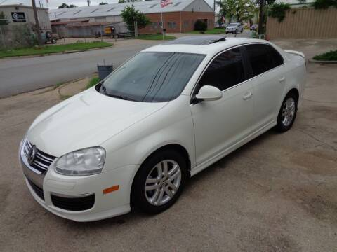 2007 Volkswagen Jetta for sale at Auto Starlight in Dallas TX