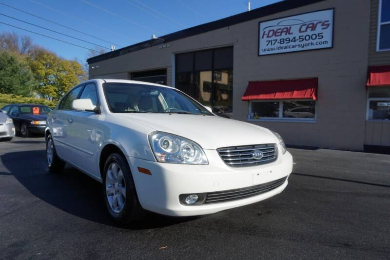 2006 Kia Optima for sale at I-Deal Cars LLC in York PA