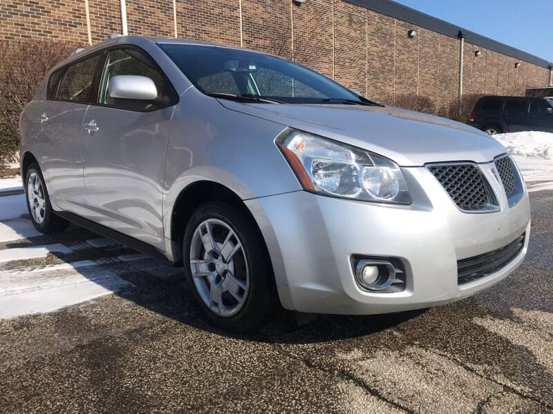 2009 Pontiac Vibe for sale at Classic Motor Group in Cleveland OH