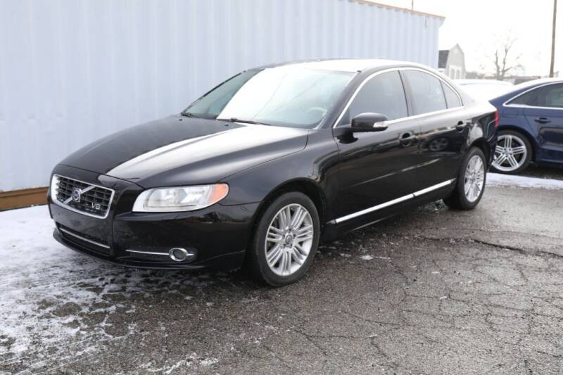 2008 Volvo S80 for sale at Queen City Classics in West Chester OH