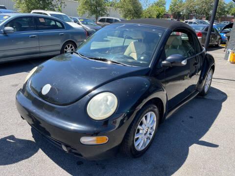 2005 Volkswagen New Beetle Convertible for sale at Diana Rico LLC in Dalton GA