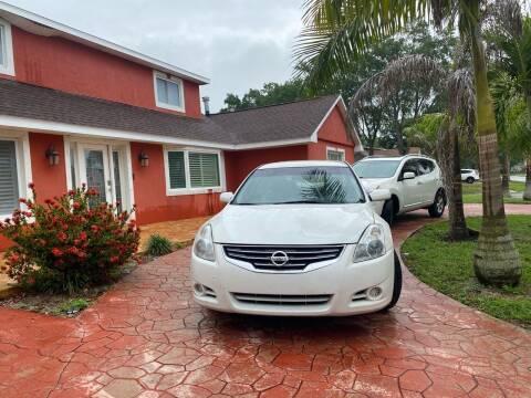 2012 Nissan Altima for sale at ONYX AUTOMOTIVE, LLC in Largo FL
