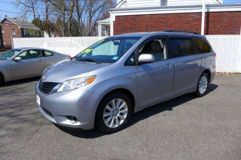 2013 Toyota Sienna for sale at FBN Auto Sales & Service in Highland Park NJ