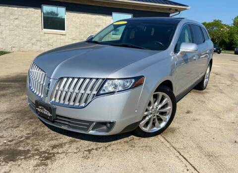 2010 Lincoln MKT for sale at Auto House of Bloomington in Bloomington IL