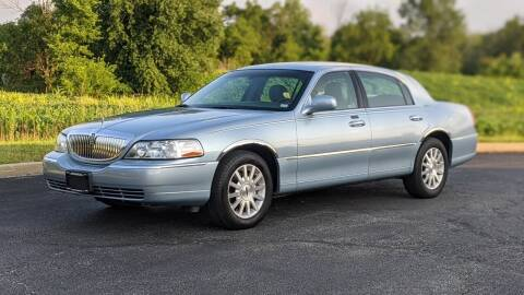 2007 Lincoln Town Car for sale at Old Monroe Auto in Old Monroe MO