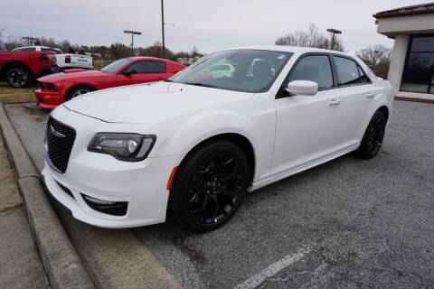 2020 Chrysler 300 for sale at Modern Motors - Thomasville INC in Thomasville NC