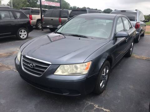 2009 Hyundai Sonata for sale at Sartins Auto Sales in Dyersburg TN