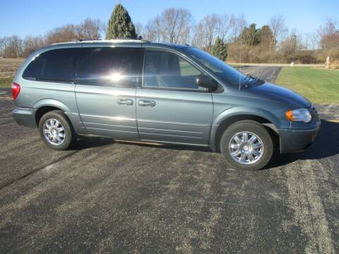 2006 Chrysler Town and Country for sale at Crossroads Used Cars Inc. in Tremont IL