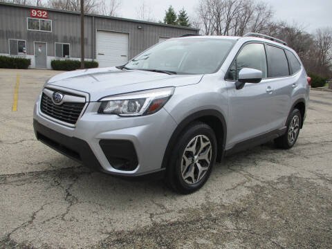 2020 Subaru Forester for sale at Triangle Auto Sales in Elgin IL
