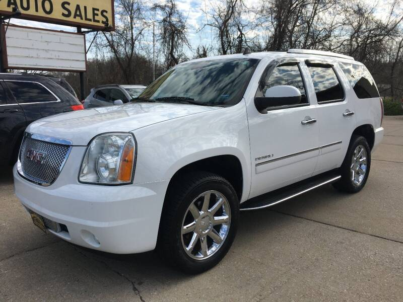 2013 GMC Yukon for sale at Town and Country Auto Sales in Jefferson City MO
