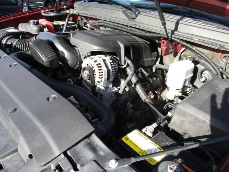 2008 GMC Yukon XL 4x4 SLT 1500 4dr SUV w/ 4SA - Crystal Lake IL