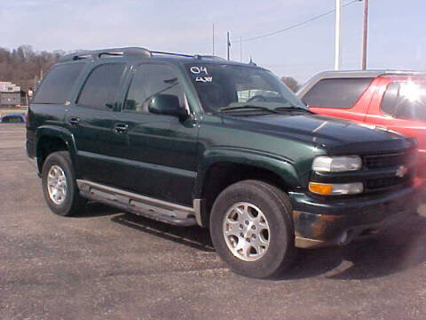 2004 Chevrolet Tahoe for sale at Bates Auto & Truck Center in Zanesville OH