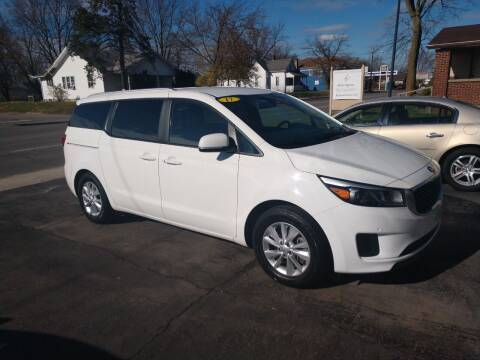 2017 Kia Sedona for sale at Economy Motors in Muncie IN
