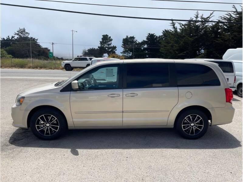 2015 Dodge Grand Caravan for sale in Farmersville, CA