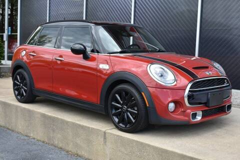 2017 MINI Hardtop 4 Door for sale at Alfa Romeo & Fiat of Strongsville in Strongsville OH