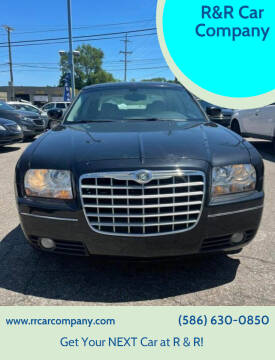 2006 Chrysler 300 for sale at R&R Car Company in Mount Clemens MI