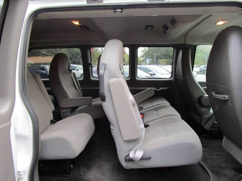 2015 Chevrolet Express Passenger LT 2500 3dr Passenger Van - Salem OR